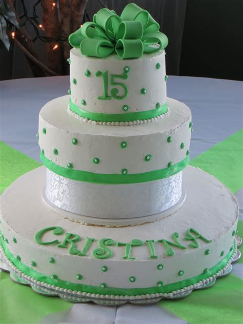 CAKES AND MORE: Quinceanera Cake - Sweet 15 Cake Green