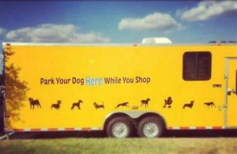 Texas Woman Creates 'Barking Garage' for Dogs of Shoppers