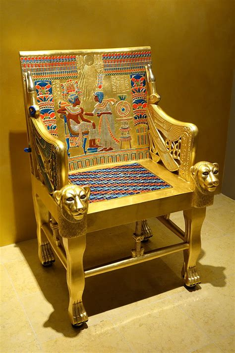 File:Chair from tomb of Tutankhamun, reproduction