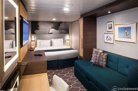 Harmony of the Seas cruise ship staterooms and suites tour