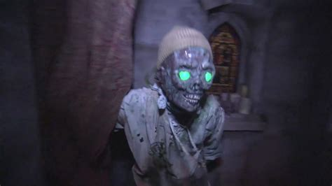 Inside Halloween Horror Nights 2011 haunted houses and