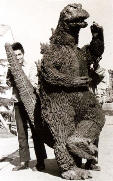 vintage everyday: Behind the Scenes of the First Godzilla