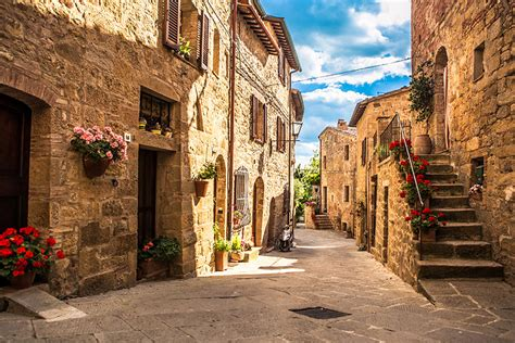 The Hill Towns of Tuscany   Wine Enthusiast