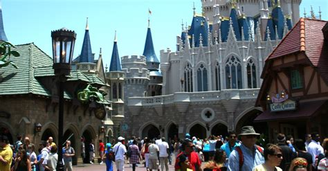10 'Must Do' Rides and Attractions in Fantasyland - Magic