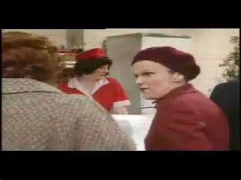 Victoria Wood & Julie Walters - As seen on TV - Cafe