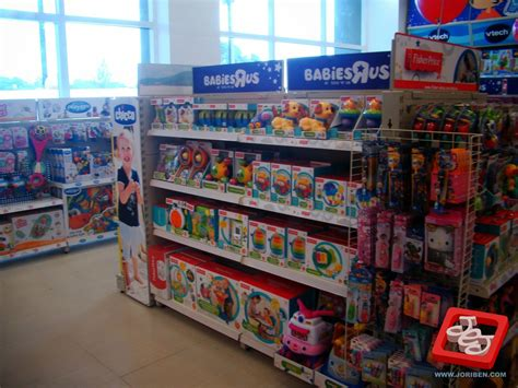 Toys R Us 21st Store in PH Opens with Robinsons Place