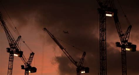 Air pollution already in 'red zone' ahead of Diwali : Some
