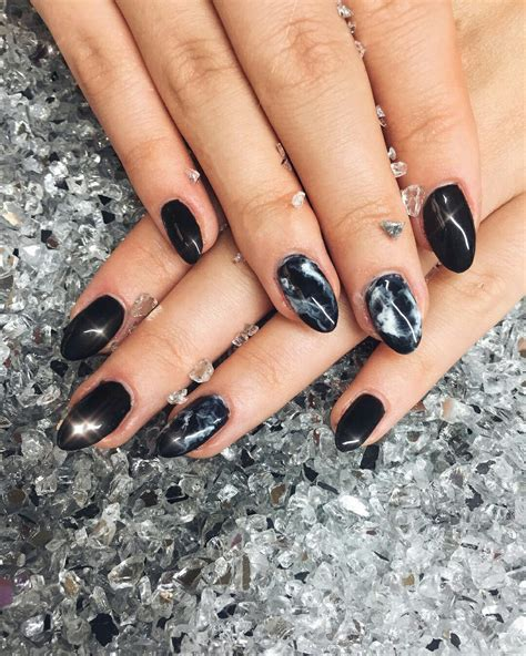 Winter Nail Designs 2020: Cute and Simple Nail Art For