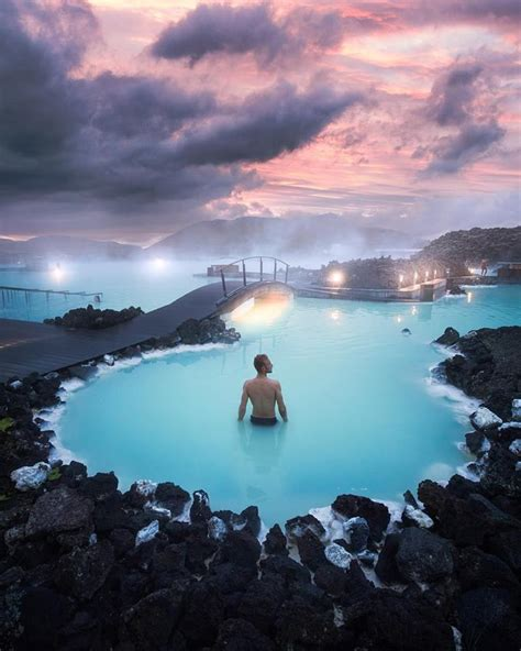 Relax under a beautiful sunset🙌🏻💙   Blue lagoon iceland
